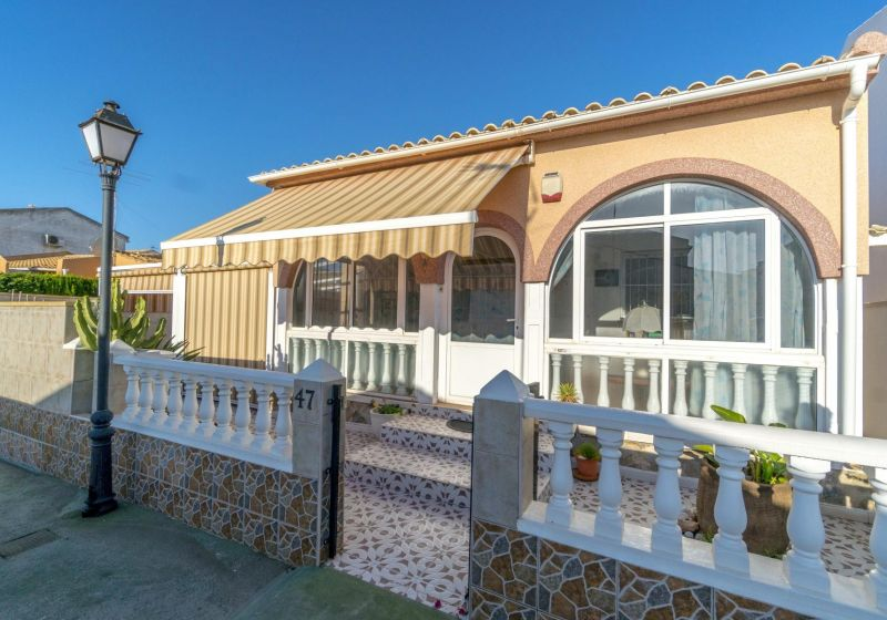 Chalet Independiente - Venta - Orihuela Costa - La Florida