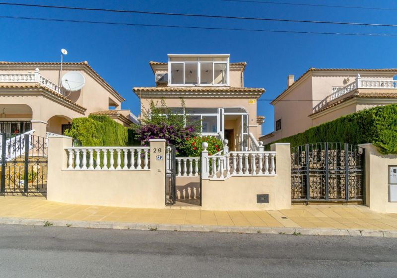 Detached Villa - Resale - Orihuela Costa - Villamartin