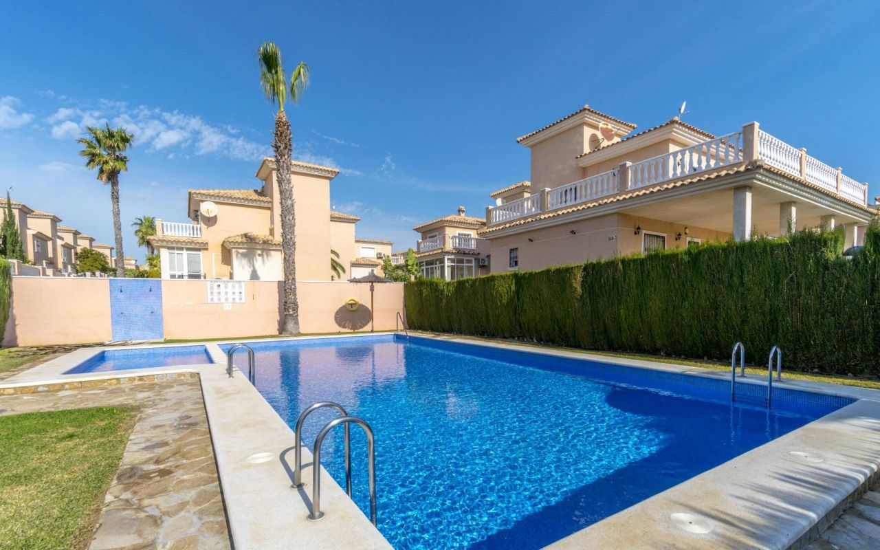 Reventa - Chalet Independiente - Orihuela Costa - Los Altos