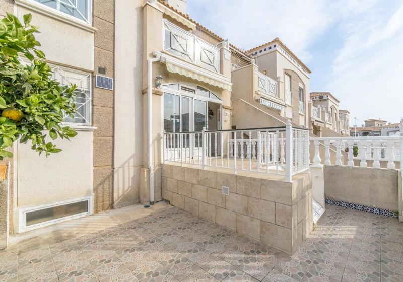 Ground floor - Resale - Torrevieja - Altos de La Bahía